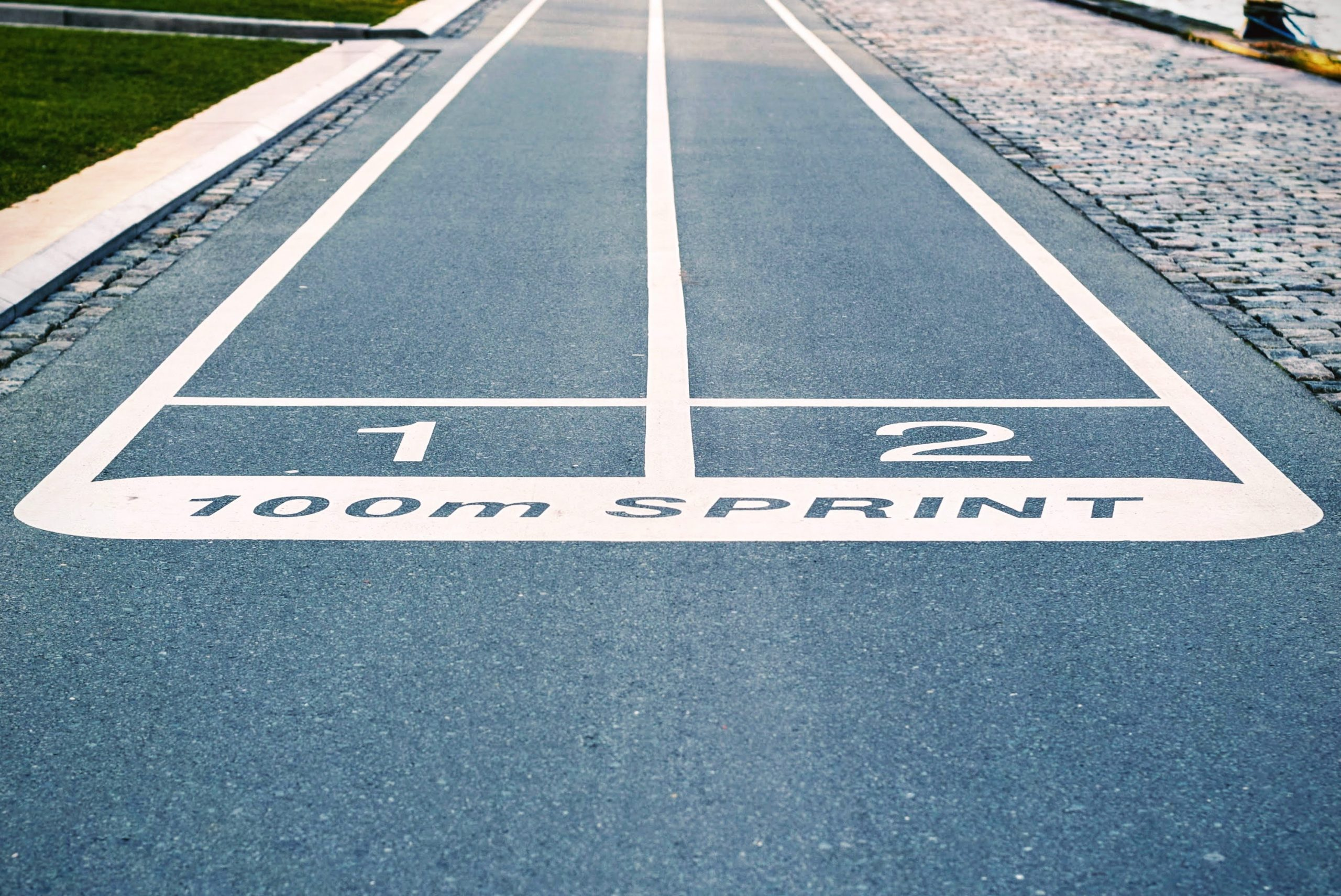 Starting point for two lanes on a track